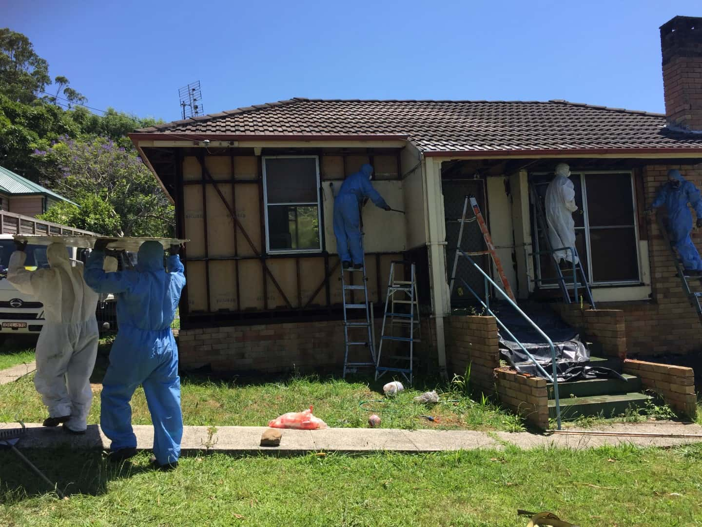 asbestos removal house